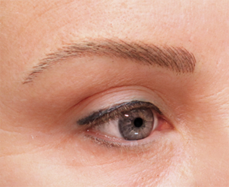 Eyebrows Accent Permanent Makeup